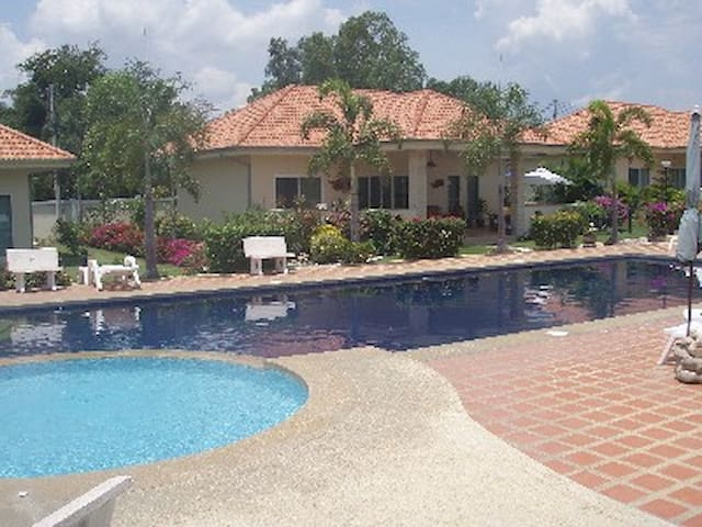 New villa Pineapple Village Hua Hin - Hua Hin - Hus