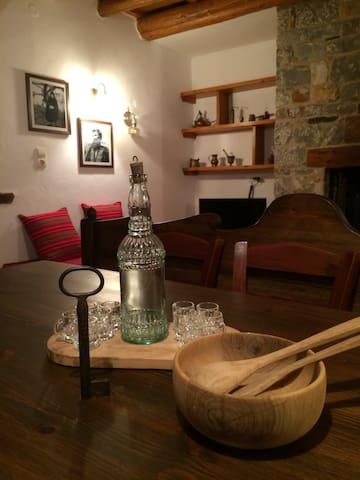 Villa Manousos - Ασκύφου - Huis