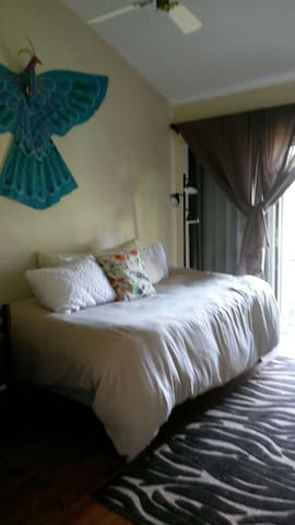 Bedroom in quiet neighborhood - Palmetto Bay - House