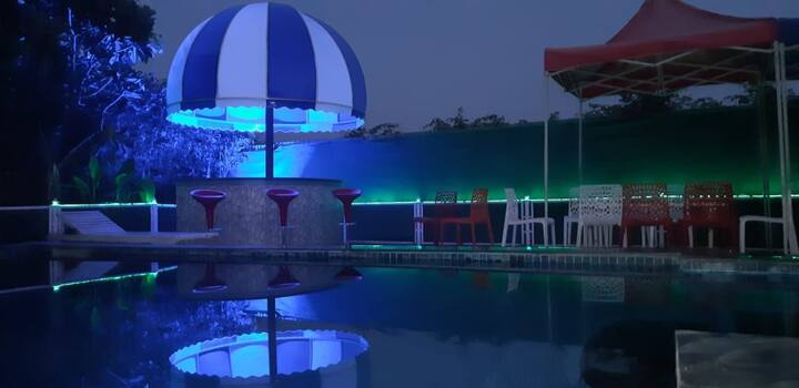Farm with pool for parties NOIDA