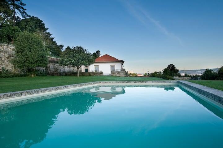 Casa fantástica com história, charme e privacidade