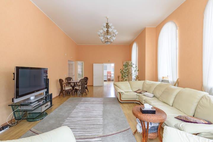 Коттедж в 10 минутах от Спб - Сарженка - Casa