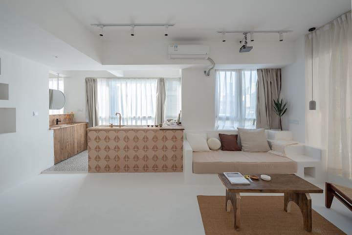 长租优惠 |适里 | R9 |  超大汤池 | 全屋落地窗 | 70平高空市景 | 美学 | 春熙路