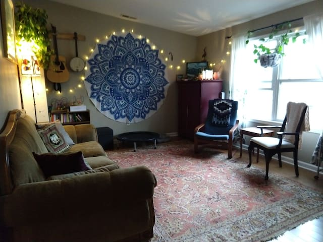 West Asheville Abode*** near to Sunny Point Cafe!