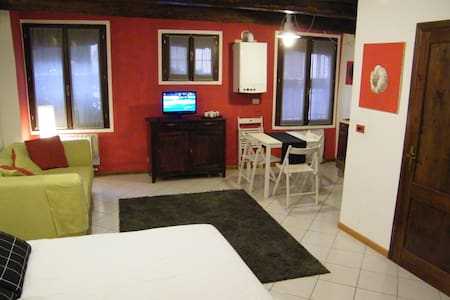 Cozy nest in the heart of the town - Rumah