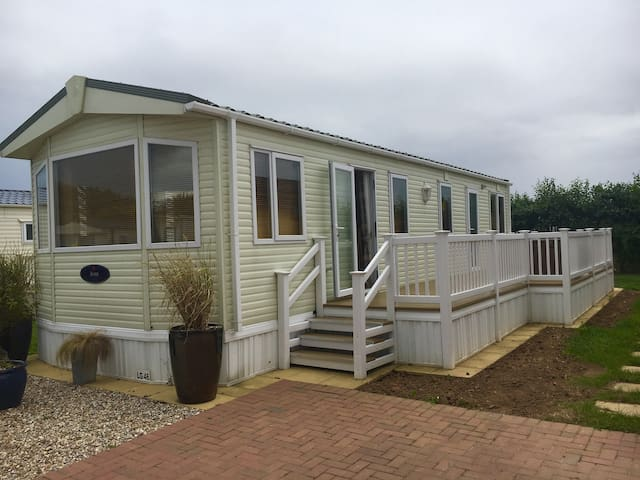 Lovely Static seaside Home, Families, couples,