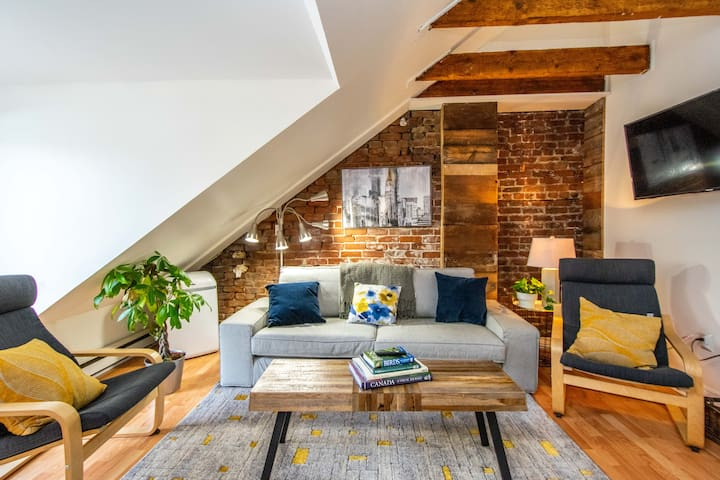 2BR Loft in Old South Historic District, LOCATION!