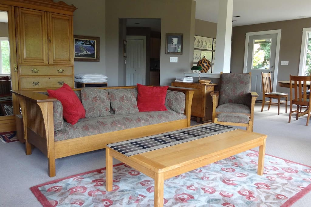 lummi island chat rooms There is no public beach access on lummi island guests staying at lummi beach haven enjoy lummi island is easily accessed via a 10 living room, dining.