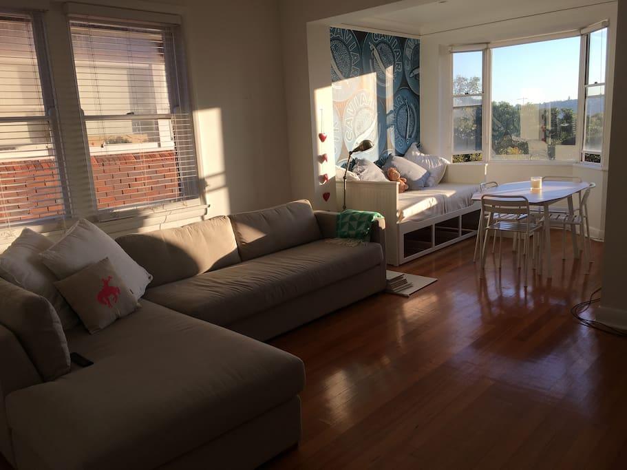 Lounge / Sunroom 2nd Bedroom
