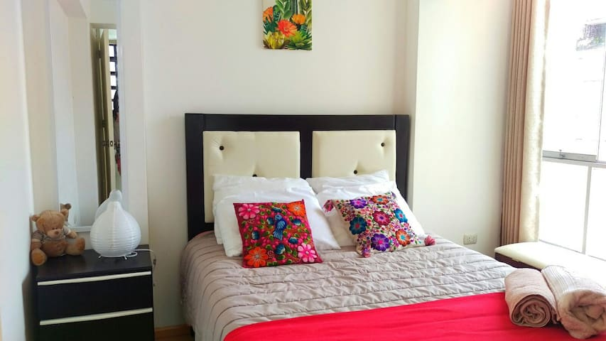 Shiny,cozy & nice room,BF include!! - Cusco - Lejlighed