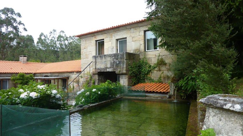 Casa dos Conversos do Mosteiro - São Pedro do Sul - วิลล่า