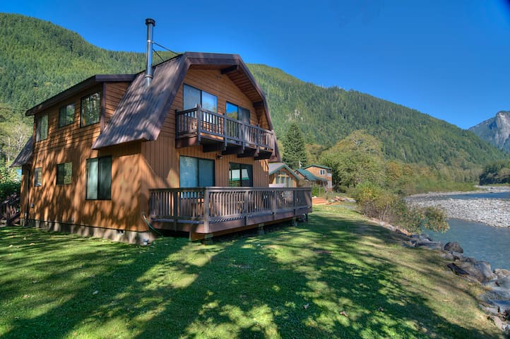 INDEX RIVER ROOST - Riverfront with Amazing Views! - Index - House