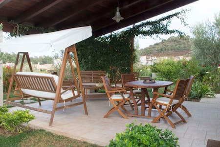 Villa indipendente con giardino - Cala Sinzias - Cala Sinzias