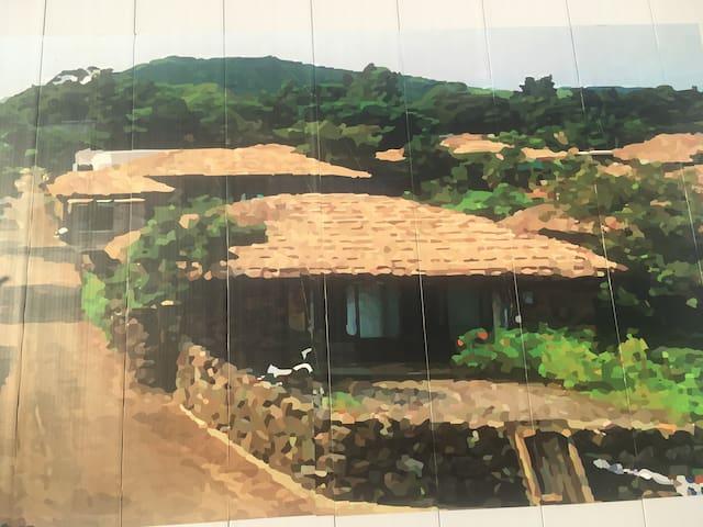 (안거리) 최대 16명 까지 숙박 가능한 제주동쪽지역 독채 초가돌담집