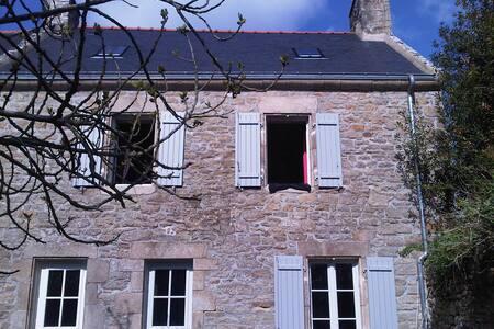 Maison en pierre au coeur du bourg  - Île-aux-Moines