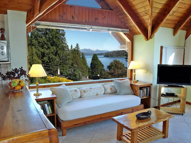 Spacious Apartment Overlooking Lake - San Carlos de Bariloche - Pis