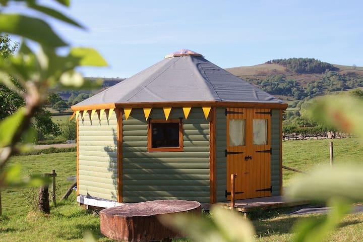 Yurt Bronwyn ~ glamping on the Welsh border