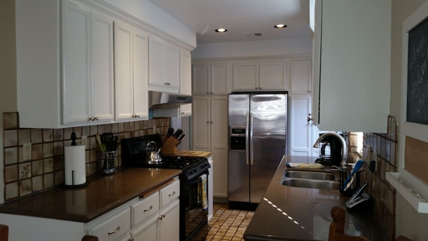Fully stocked kitchen, and recently upgraded with Quartz countertops