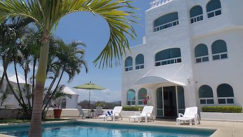 Manzanillo-Private Pool - Ocean Views - Sleeps 12