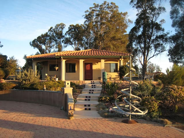 Beautiful Quiet Guesthouse - Arroyo Grande - Hus