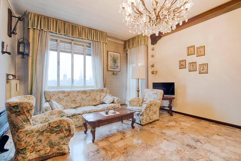 Elegante appartamento di 200 mq appartamenti in affitto for Appartamenti in affitto modena