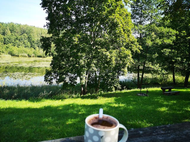 Cozy cabin by the lake/stovyklavietė SALOS