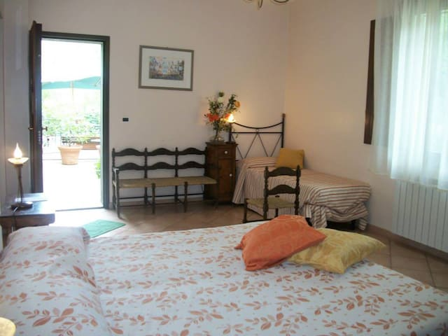 LP Triple room w breakfast & nature - San Piero Patti - Bed & Breakfast