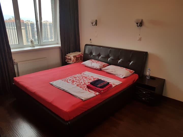 Комната. 25 этаж, красивый вид. Парнас.