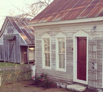 Cottage in Historic Granbury - Granbury - Dom