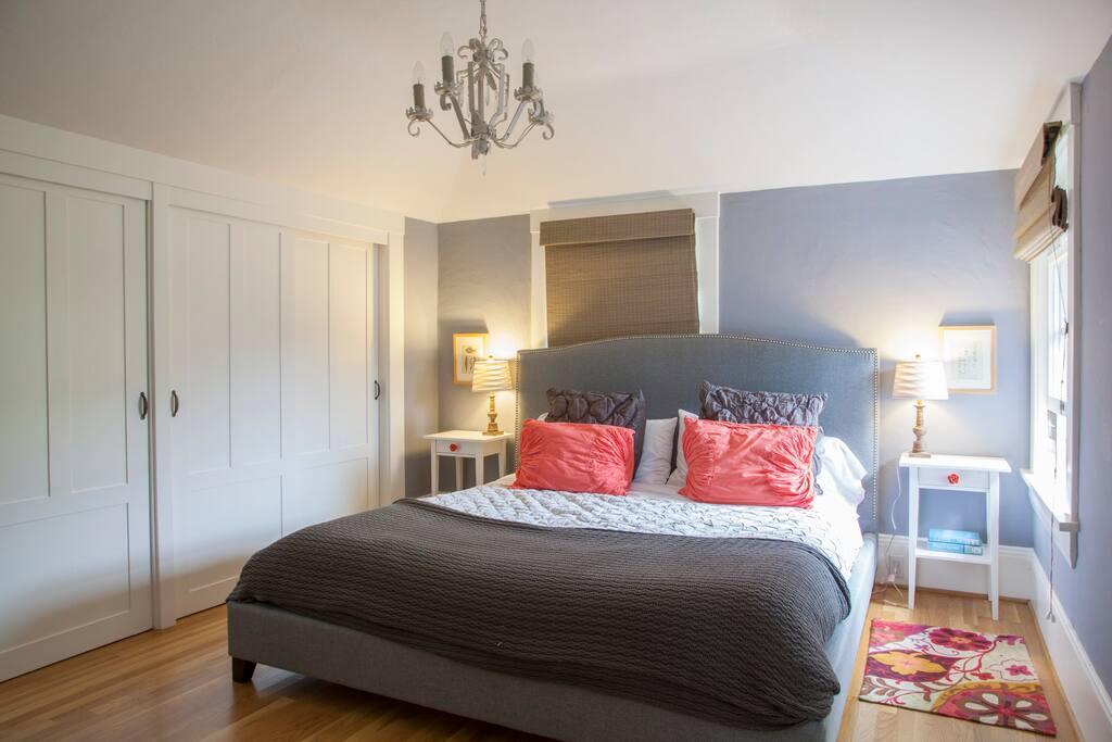 Master bedroom with king size bed & Keetsa mattress.