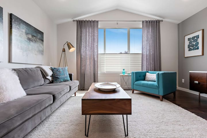 2 Master Suites in Westend Boise Downtown with Modern Urban Flair throughout!- Brit & Belle
