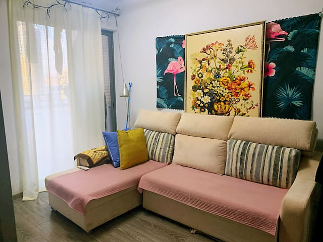 A perfect cozy living apartment in Shenzhen CBD