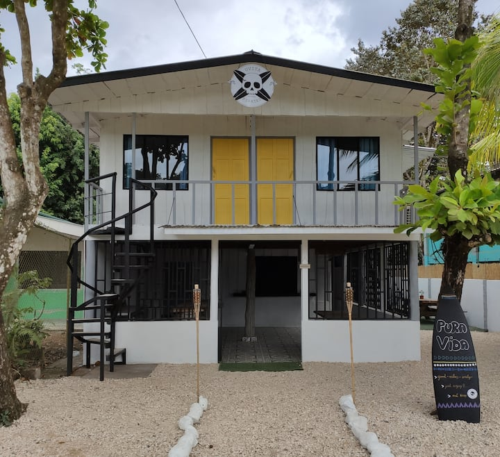 UVITA PIRATES HOSTEL (GOOD VIBES ONLY)