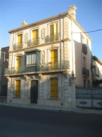 Apts.& rooms South France Languedoc - Puisserguier - House