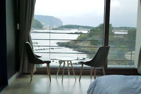 Romantic view with ojori lake(#201) - Hus