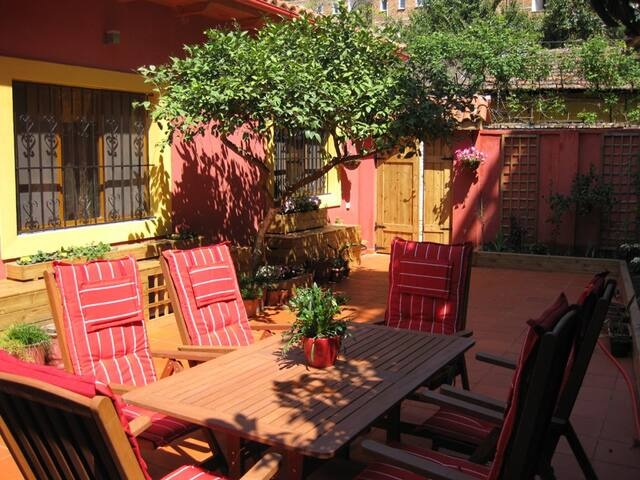 Tirana Patio - Home away from home!