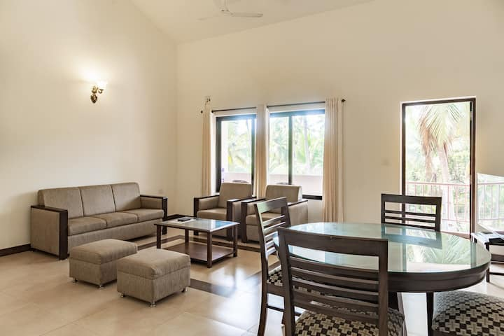 ParkWalfredoGoa.Beach side 2 bedroom apartment.