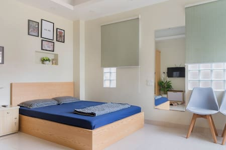 MAI HOME - Bright Studio Apt, central Hanoi #308