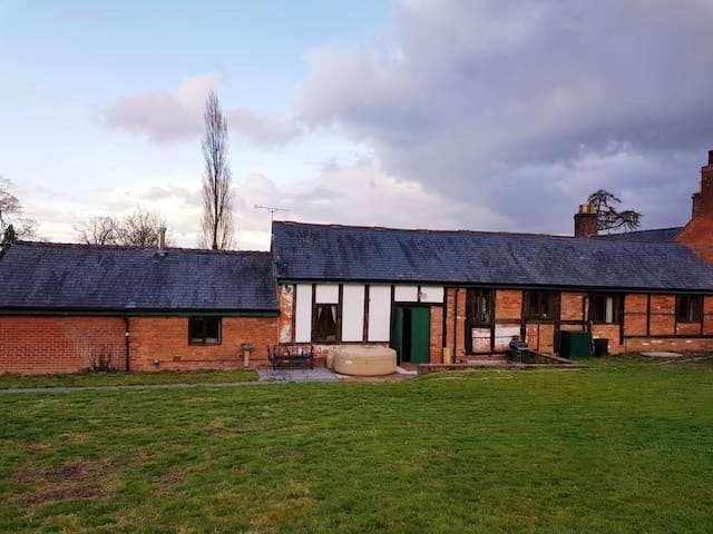 The Forget Me Not Barn - idyllic country setting