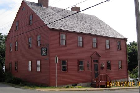 Lennox tavern b and b - Haus