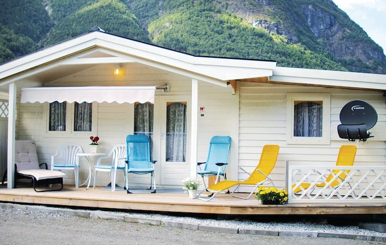 Holiday cottage with 1 bedroom on 40 m² in Fresvik