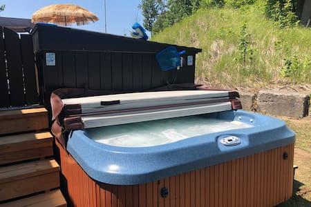 Wyldewood Beach Club   Hot tub/Golf Cart Inc.