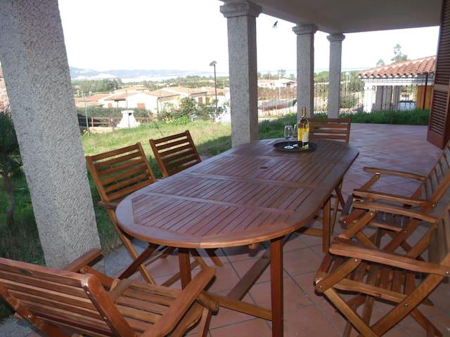 Trilocale vista mare con giardino - Baia Sant'Anna - Maison
