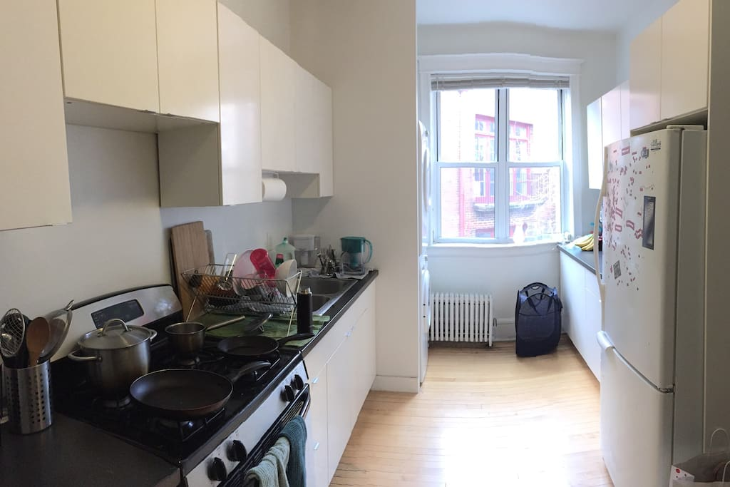 Kitchen (all kitchen appliances included)