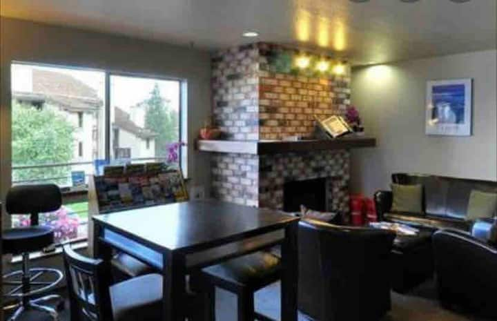 2 bedroom suite - minutes from South Lake Tahoe