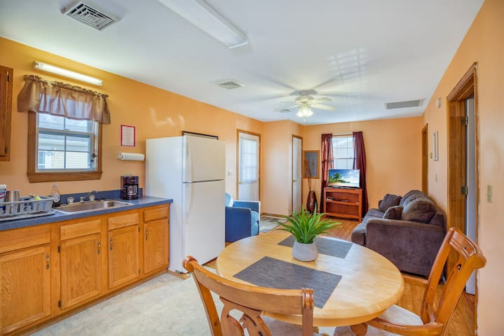 These great Cottages are closed to the Historic District, and offer Free WiFi, Cable TV, and an Outdoor Pool! Adorable, affordable, and in the heart of Chincoteague Island! All you need for a memoriable Chincoteague Island Vacation.