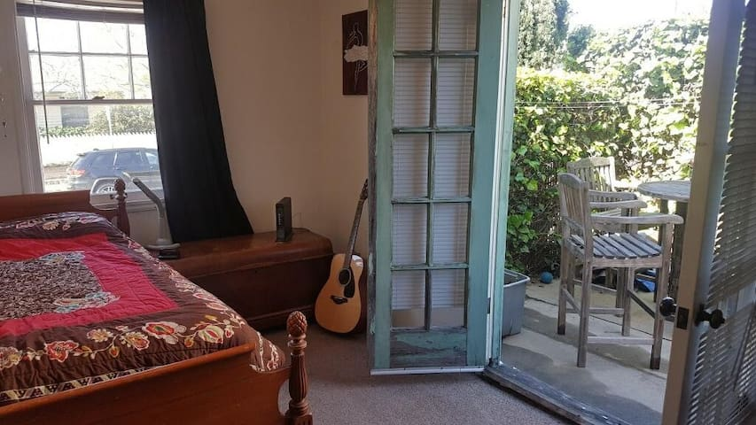 Spanish-style private room in downtown SB
