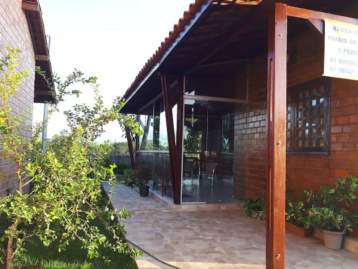 Alugo casa de campo em Gravatá, no clima da serra