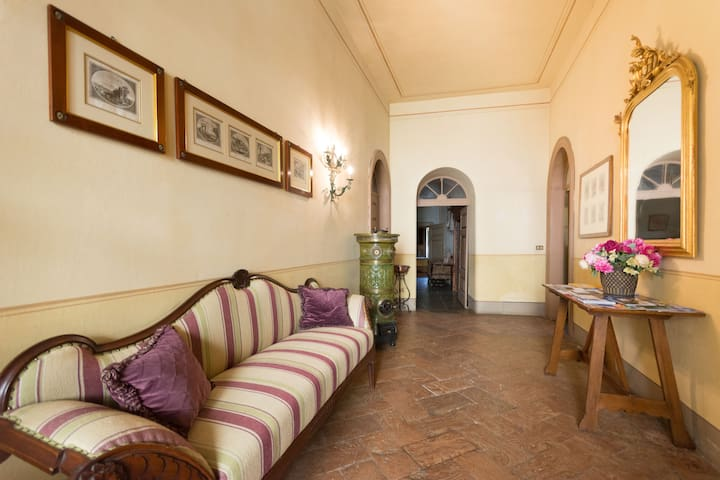 Old Mansion - Palazzo Guicciardi - Ponte In Valtellina - House