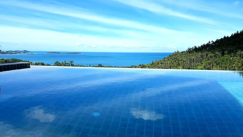 Private Seaview Apart. 3 bedrooms & pool + jacuzzi